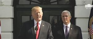 """Trump festeggia la crescita Usa: """"Finora ci hanno derubato"""" (video)"""