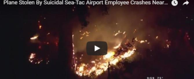 Ruba un aereo della Alaska Airlines, decolla e si schianta al suolo (video)
