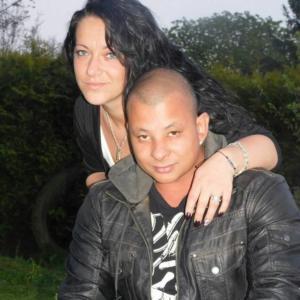 Il giovane cubano, ucciso dai profughi, con la fidanzata