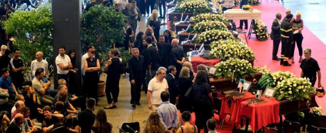 Tragedia di Genova, si sono svolti funerali di Stato o funerali dello Stato?