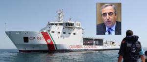 Gasparri: «Guardia costiera taxi per clandestini. Non si ripeta l'andazzo del Pd»