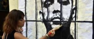 """Pittura rossa, nuova provocazione anti-Salvini: """"Saviano dietro le sbarre"""""""