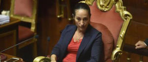 «Senatrice Taverna, i nostri bambini non sono bestiame, non pensi ai selfie»