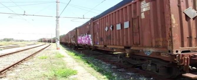 Un treno con 700 tonnellate di rifiuti è fermo da due mesi a Roma