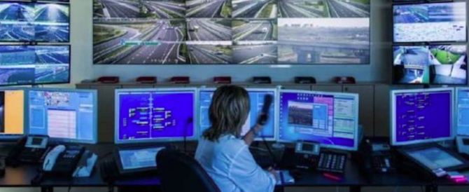 """Ponte Morandi, sparite le immagini del crollo. Società autostrade: """"Un black out"""""""