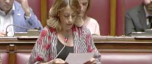 Il delirio di una deputata M5S: «Voglio una stanza per lo yoga a Montecitorio»