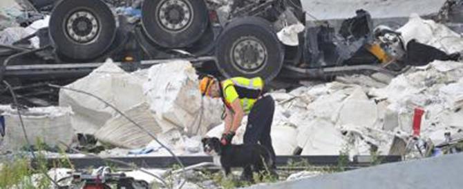 Genova, si scava ancora alla ricerca di sopravvissuti sotto le macerie
