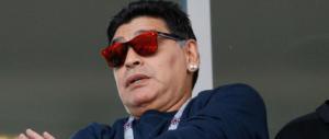 Maradona denunciato. L'ex moglie Claudia lo accusa: «Mi distrugge»