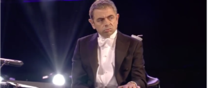 Londra, Johnson irrita gli islamici con una battuta sul burqa. Mr Bean lo difende