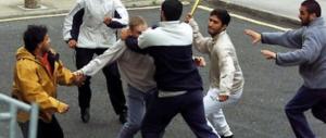 """Roma, violenta rissa tra migranti a Tor Pignattara: erano """"imbottiti"""" di alcol"""