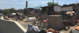 Roma, violenze al campo rom di via Salviati: calci, pugni e minacce