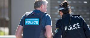 Orrore a Perth: due donne e tre bimbe trovate morte in casa. È omicidio