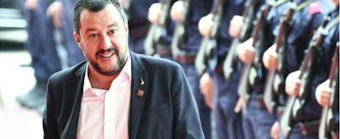 Salvini: «Reddito di cittadinanza esteso ai rom italiani se sono regolari»