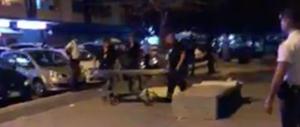 Tragedia a Roma, un'anziana muore colpita da una pallonata (video)