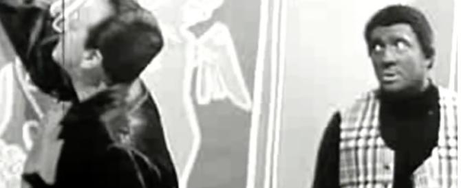 """Il """"razzismo"""" degli italiani: uno storico sketch tv di Tognazzi (video)"""