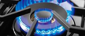 Gas e luce, gli italiani pagano ben il 15% in più rispetto alla media Ue