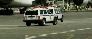 Paura sul volo Dubai-New York: i passeggeri stanno male. E scatta la quarantena