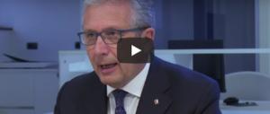 Librandi: «Parlate ai migranti non insultateli». Ironia e sfottò sul web (video)