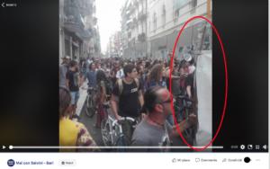 manifestante-con-bastone