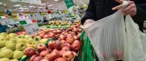 Le beffa dei sacchetti bio per la spesa: altro che 1 centesimo, li paghiamo molto di più