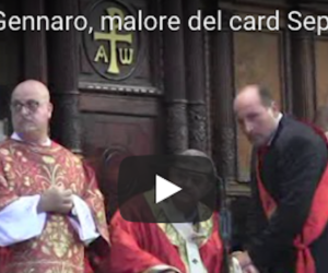 Il cardinale Sepe si sente male durante il rito di San Gennaro (video)