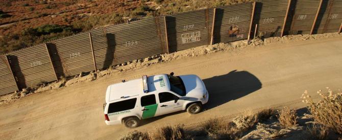Messico, centinaia di agenti per non farsi invadere dai migranti. Trump ringrazia