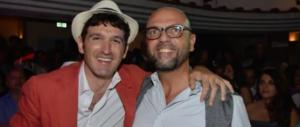 """Alfano si è rifatto una vita: canta e balla nella taverna più """"cool"""" di Capri (video)"""