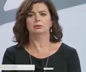 Boldrini, un minuto di puro delirio: «Sovranismo vuol dire isolamento e…» (video)