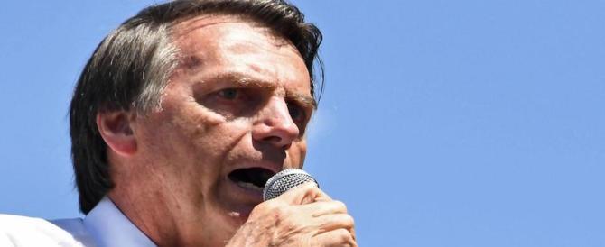 """Vola il """"Trump del Brasile"""": il candidato di estrema destra ottiene il 46 %"""