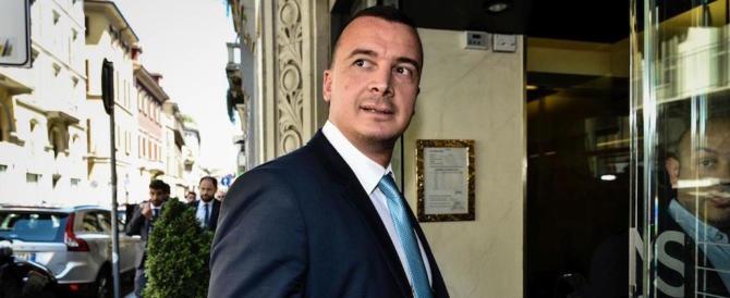 Casalino, è tensione nel governo. Tria attacca: «Da lui volgarità e minacce»