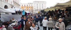 """Bufera a Udine: per occupare il suolo pubblico serve il """"certificato di antifascismo"""""""