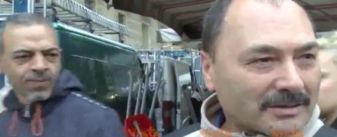 Pd, umiliazione totale al mercato: uno spasso la reazione dei cittadini (video)