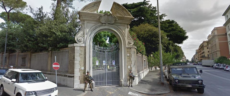 """La Nunziatura Apostolica di via Po, a Roma, dove il magistrato antiterrorismo, che si occupava delle indagini sul rapimento di Emanuela Orlandi, attese, inutilmente, la telefonata del cosiddetto """"americano"""" con inflessione maltese"""
