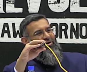 Il predicatore islamico che invoca la sharia ed elogia l'Isis torna libero (video)