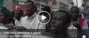 «O cancella il dl, o noi cancelleremo lui»: il migrante in corteo minaccia Salvini (Video)