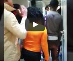 """""""Tutti fuori, non sento scuse"""": la capotreno fa scendere i migranti senza biglietto (VIDEO)"""