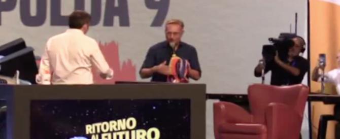 """Bonolis: """"Renzi ti regalo un poncho degli Inti Illimani, così ti rimane qualcosa di sinistra"""" (video)"""
