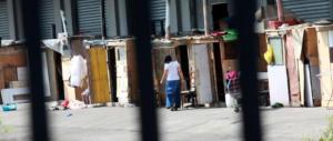 Beffa dei rom alla Raggi, gli dà 3000 € di bonus per andarsene: 2 mesi e sono già tornati