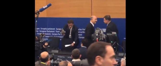 Scontro Moscovici-Ciocca: «Cretino…». «Piromane dello spread…» (video)
