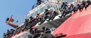 Rotta su buonismo e business: salpa Mediterranea, nave finanziata da Ong e Onlus