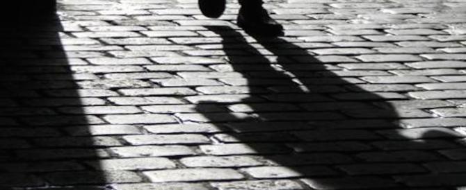 Tunisino non si rassegna alla fine della relazione: minaccia e perseguita l'ex