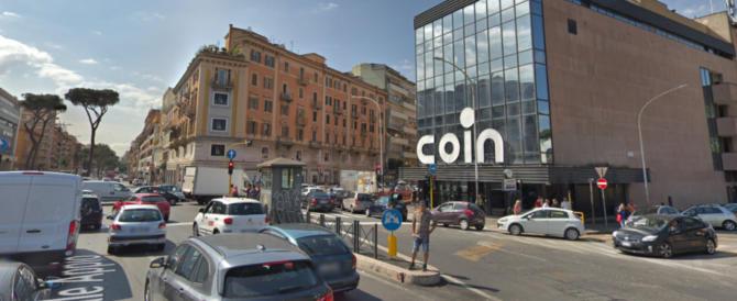 Roma, furti a Piazzale Appio: stranieri agivano con le borse schermate