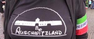 """Predappio, Auschwitzland? Una maglietta demenziale e offensiva. """"Ora chieda scusa"""""""