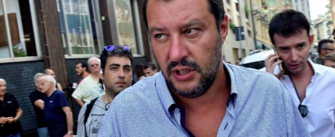 Napoli, preside manda i suoi studenti in corteo. Che guarda caso incrocia Salvini…