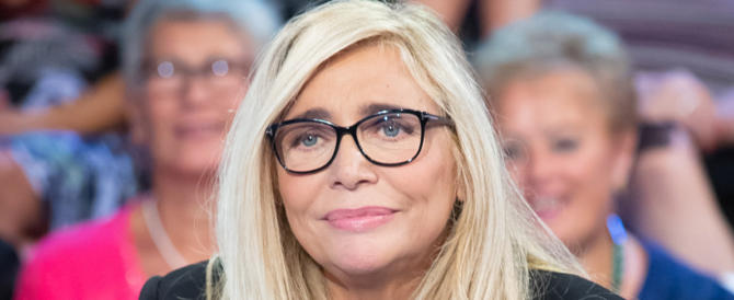"""Mara Venier sta male, fan in ansia per """"Domenica In"""": ecco cosa le è successo"""