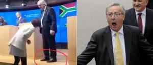 Eccolo Junker con una scarpa nera e l'altra marrone. E poi dice che uno…