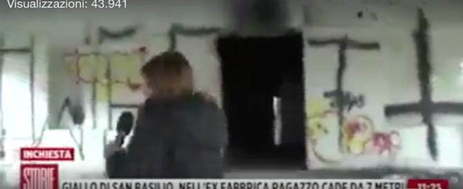 Aggredita la troupe Rai nel ghetto dello spaccio a S. Basilio: paura in diretta (video)