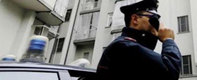 Torino, carabiniere parla per un'ora con una 58enne. E lei non si suicida