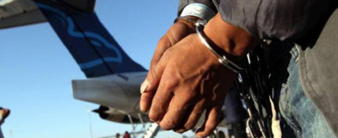 Era stato espulso per 10 anni: scovato in un immobile occupato a Livorno