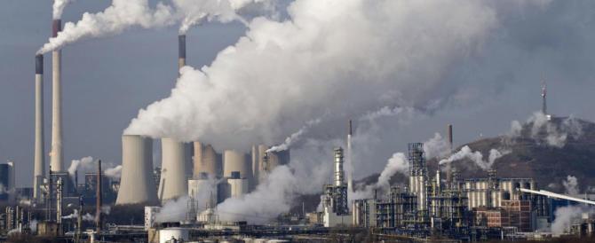 L'aria inquinata causa parti prematuri e basso peso alla nascita: la ricerca
